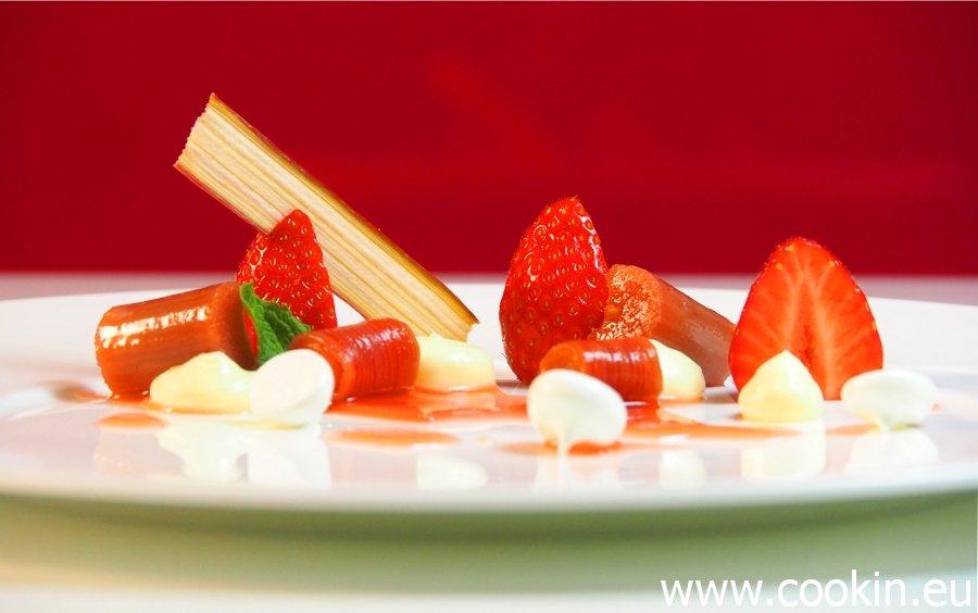 Erdbeere Rhabarber 9 900