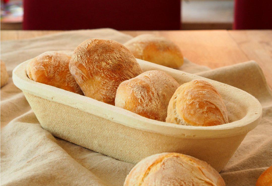 Wunderbar leckere Brötchen mit Hefe aus Weizenmehl und Hartweizenmehl mit Lievito Madre